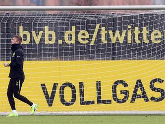 Vorerst nur noch zu Fuß mit Vollgas unterwegs: Fußball-Nationalspieler und Schwarzfahrer Marco Reus, der jahrelang ohne Führerschein fuhr. Foto: Friso Gentsch