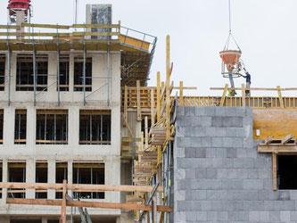 Neue Wohnungen in Köln: Der Mangel an Wohnungen gilt als eine der Hauptursachen steigender Immobilienpreise. Experten fordern daher mehr Neubauten. Foto: Rolf Vennenbernd