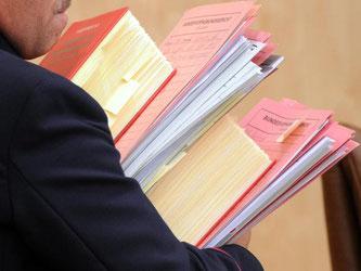 Vorlagen von Gerichten haben in Karlsruhe üblicherweise eine geringe Erfolgsquote. Foto: Uli Deck/Archiv