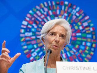 IWF-Chefin Christine Lagarde in der Zentrale des Internationalen Währungsfonds in Washington. Lagarde fordert Deutschland dazu auf Exportüberschüsse in die Infrastruktur zu investieren. Foto: Michael Reynolds