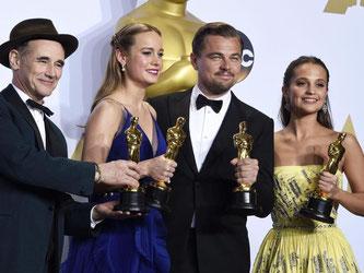 Oscars gab es für die Schauspieler Mark Rylance, Brie Larson, Leonardo DiCaprio und Alicia Vikander. Foto: Paul Buck