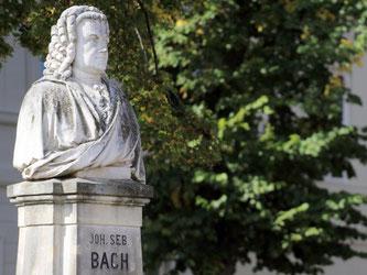 Bach-Denkmal. Foto: Jens Wolf/Archiv