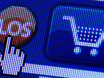 Ab August können sich Auszubildende, die die Lehre des Einzelhandelskaufmann beginnen, auf den Onlinehandel spezialisieren. Foto: Arno Burgi/dpa-Zentralbild/dpa