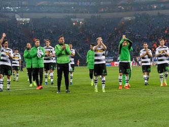 Die Mönchengladbach haben durch das Auswärtstor die leicht bessere Ausgangslage vor dem Rückspiel. Foto: Guido Kirchner