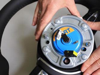 FiatChrysler hat wegen defekter Airbags bisher mehr als fünf Millionen Fahrzeuge in die Werkstätten gerufen. Foto: Jens Wolf