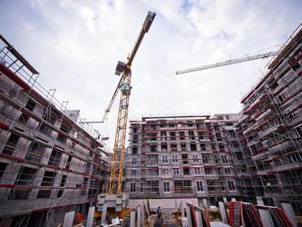Neubaukomplex für Mehrfamilienhäuser in Berlin: In vielen Städten ist der Wohnraum knapp, die Asyl- und Flüchtlingskrise verschärft das Problem. Foto: Daniel Naupold/Archiv