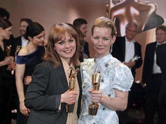 Lolas für Maren Ade (l) und Sandra Hüller. Foto: Jörg Carstensen