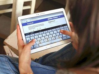 Für mehr Privatsphäre müssen Facebook-Nutzer ihre Beiträge auf nicht-öffentlich einstellen. Foto: Mascha Brichta