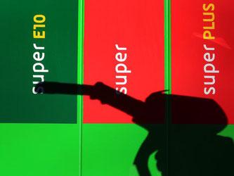 Energie verteuerte sich binnen Jahresfrist deutlich um 7,2 Prozent. Sie hatte die Inflation bereits im Dezember und Januar angeheizt. Foto: Karl-Josef Hildenbrand