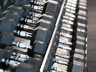 Die Fitnessbranche hätte gern, dass sich bis zum Jahr 2020 mehr als zwölf Millionen Deutsche in Fitnessstudios fit halten. Foto: Henning Kaiser