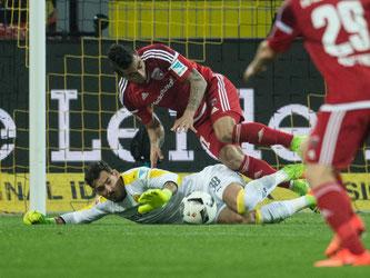 Roman Bürki rettete dem BVB mit einer starken Leistung den Sieg gegen Ingolstadt. Foto: Bernd Thissen