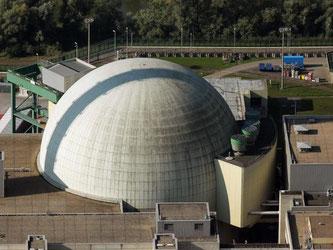 Die Luftaufnahme zeigt das Kernkraftwerk Philippsburg. Foto: Fredrik von Erichsen/Archiv