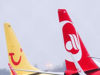 Ein Drittel der Tui-Flotte fliegt samt Besatzung für Air Berlin. Foto: Julian Stratenschulte
