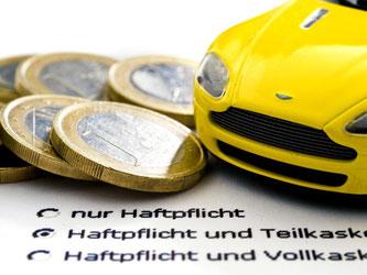 Viele Autos werden bei der Kfz-Haftpflichtversicherung neu eingestuft. Knapp ein Sechstel rutscht in höhere Klassen. Foto: Jens Schierenbeck