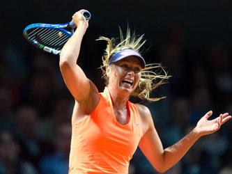 Maria Scharapowa setzt sich bei ihrer Rückkehr in den Tenniszirkus gegen Roberta Vinci durch. Foto: Daniel Maurer