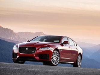 Jaguar verweist die Konkurrenz vor allem mit dem Leichtbau des XF in ihre Schranken. Das senkt den Verbrauch und macht den Wagen leistungsfähiger. Foto: Jaguar