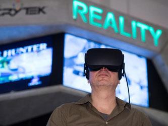 Das Computerspielemuseum Berlin hat einen neuen Ausstellungsbereich zu Virtual Reality. Museumschef Andreas Lange sieht die jetzige Entwicklung als absoluten Meilenstein. Foto: Bernd von Jutrczenka