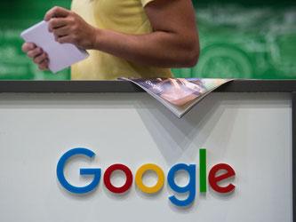 Googles sprechender Assistent mit künstlicher Intelligenz kommt demnächst in eine Vielzahl neuerer Android-Gerät. Foto: Marijan Murat