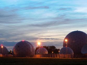 Radarkuppeln auf dem Gelände der Abhörstation des BND in Bad Aibling. Foto: Angelika Warmuth