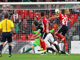 Bilbao-Angreifer Aritz Aduriz (r) drehte das Spiel mit zwei Treffern. Foto: Luis Tejido