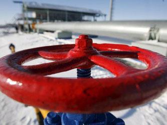 Gas-Pipeline in Russland: Die EU-Kommission will sich Gas-Lieferverträge vorlegen lassen. Foto: Maxim Shipenkov