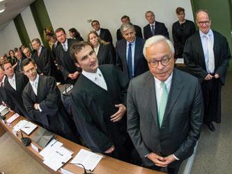 Die Top-Banker Fitschen, Ackermann, Breuer und & Co. müssen sich auch im kommenden Jahr auf viele Prozesstage im Münchner Landgericht einstellen. Foto: Peter Kneffel/Archiv