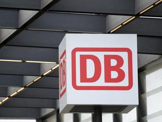 Das Logo der Deutschen Bahn. Foto: Rainer Jensen/Archiv