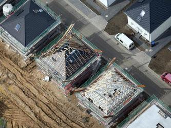 Wer Mängel an seinem Neubau entdeckt, sollte aktiv werden. Foto: Ralf Hirschberger