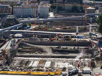 Das umstrittene Bahn-Großprojekt Stuttgart 21 könnte bis zu drei Milliarden Euro teurer werden. Foto: Silas Stein