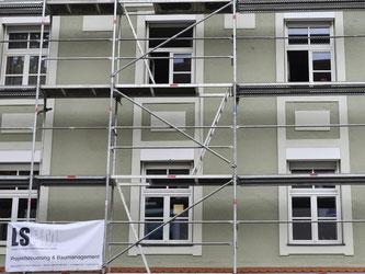 Deutschlands Häuslebauer bauen in ländlichen Regionen nach Einschätzung des Instituts der Deutschen Wirtschaft viel zu viel. Foto: Andreas Gebert/Illustration