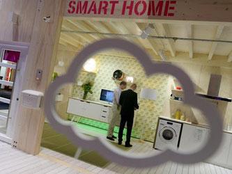 In einer «smarten» Wohnung ist die Hauselektronik vernetzt und kann über das Internet gesteuert werden. Foto: Rainer Jensen