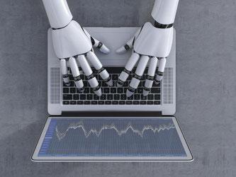Maschine statt Mensch: Robo-Advisor sind Internetanwendungen, die Verbraucher bei der Geldanlage beraten. Foto: Anna Huber/Westend61/dpa-tmn
