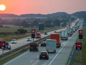 Die Autobahnen sollen Eigentum des Bundes bleiben. Foto: Patrick Pleul/Archiv