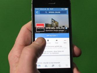 Viele Medien setzen inzwischen auf soziale Netzwerke wie Facebook. Foto: Bernd von Jutrczenka