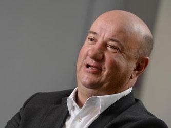 Michael Brecht, Gesamtbetriebsratsvorsitzender des Automobilkonzerns Daimler AG. Foto: Bernd Weißbrod/Archiv