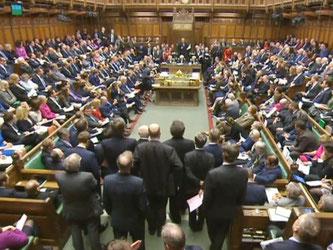 Die Debatte mit Premierministerin Theresa May im britischen Unterhaus in London. Das Brexit-Gesetz geht hier in die entscheidende Abstimmung. Foto: PA Wire