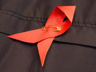 In Deutschland gab es zuletzt jährlich rund 3200 HIV-Infektionen. Foto: Daniel Bockwoldt/Symbolbild