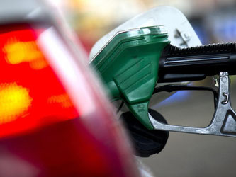 Gedämpft wird die Teuerung weiterhin von der Preisentwicklung bei Energie. Tanken und Heizen war für Verbraucher im November günstiger als im Vorjahresmonat. Foto: Arno Burgi