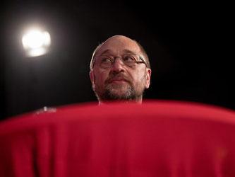 Martin Schulz soll als Kanzlerkandidat der SPD gegen Angela Merkel ins Rennen gehen. Foto: Christian Charisius