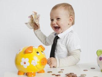Früh übt sich: Langfristig können Sparer trotz niedriger Zinsen mit den richtigen Produkten durchaus ein Vermögen aufbauen. Foto: Silvia Marks
