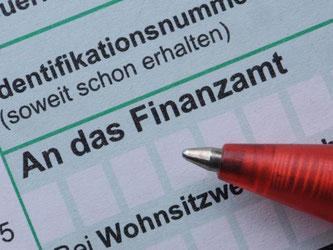 Wie in jedem Jahr geht es in den nächsten Wochen an die Steuererklärung. Foto: Armin Weigel