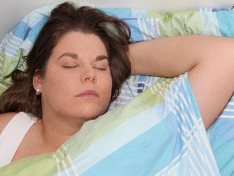 Wissenschaftler haben Hinweise darauf gefunden, das Schlafstörungen wie Schlaflosigkeit, zu viel Schlaf und Atemaussetzer das Schlaganfallrisiko erhöhen. Foto: Malte Christians
