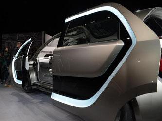Der Elektro-Minivan-Prototyp «Portal» von Fiat Chrysler ist auf der Technik-Messe CES zu sehen. Foto: Andrej Sokolow
