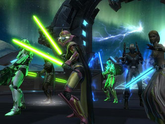 Gruppenbild mit Helden: «Star Wars: The Old Republic» war zunächst ein klassisches Online-Rollenspiel mit monatlichen Gebühren, funktioniert inzwischen aber auch nach dem Free-to-play-Modell. Screenshot: Electronic Arts Foto: Electronic Arts