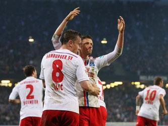 Der HSV kann etwas aufatmen - Ivo Ilicevic hat den Treffer zum 1:1-Ausgleich erzielt. Foto: Christian Charisius