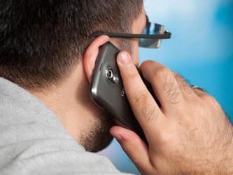 Verbraucher sollten sich auf telefonische Verhandlungen zu ihrem Handy-Vertrag nicht einlassen. Foto: Sebastian Kahnert