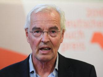 Der Autor Bodo Kirchhoff wird mit dem Deutschen Buchpreis ausgezeichnet. Foto: Arne Dedert