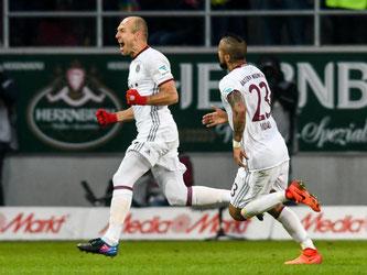 Arjen Robben und Arturo Vidal erzielten die beiden späten Treffer gegen den FC Ingolstadt. Foto: Armin Weigel