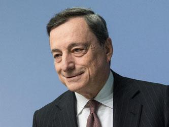 Weist Wechselkursmanipulationsvorwürfe aus den USA zurück: EZB-Präsident Mario Draghi. Foto: Boris Roessler