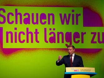 Christian Lindner, FDP-Bundesvorsitzender, spricht beim FDP-Bundesparteitag in Berlin. Foto: Monika Skolimowska